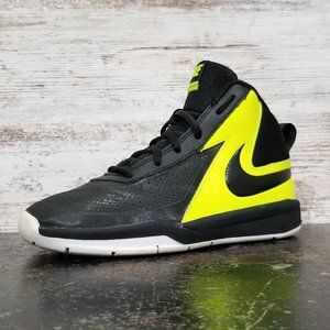 Youth Boys Nike Team Hustle D7 Athletic Shoes